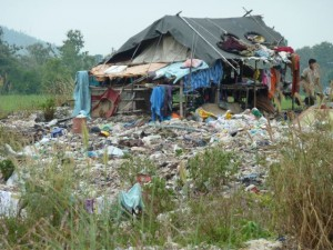 Burmese refugees living on a garbage dump